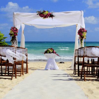 Grand Bahama Island beach wedding decor
